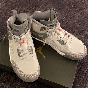 Jordan Men's Spizike, Wolf Grey- Size 9.5